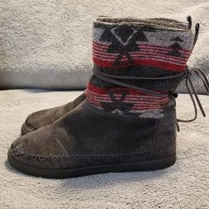 Tom's Moccasin Style Shearling Tribal Boots